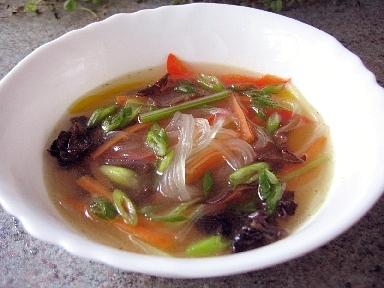 春雨と野菜のスープ黒酢風味