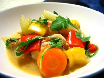 手羽と野菜のレモンマリネ煮