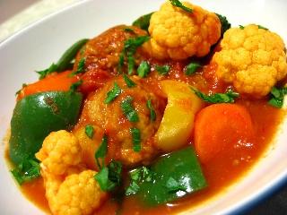 肉団子と野菜のトマト煮