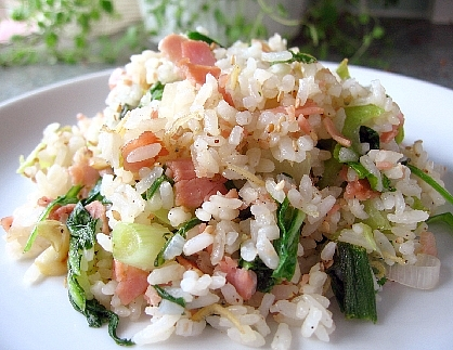 青梗菜とハムの炒飯