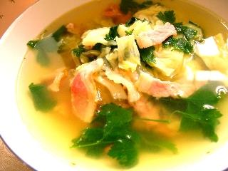 キャベツとベーコンのあったかスープ