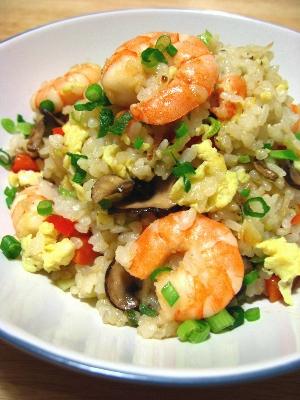 炒飯の仕上がり!-エビと卵の中華風混ぜご飯