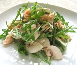 鮭とマッシュルームのサラダ