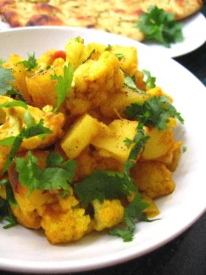 アルゴビ(Aloo Gobi):インド風じゃがいもとカリフラワーのスパイス炒め カレー