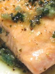 鮭のレモンパセリバターソース