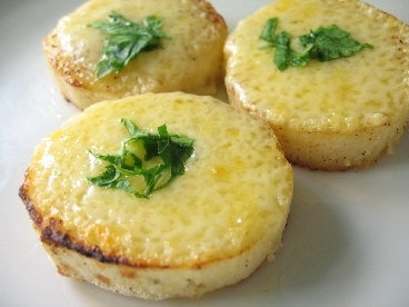 山芋のアンチョビーチーズ焼き