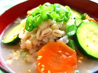 低GIでダイエットと健康に★ささ身と野菜の麦雑炊
