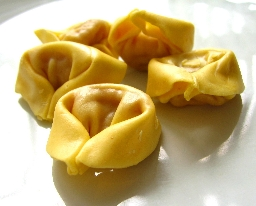 イタリアンソーセージとハムのトルテリーニ(Tortellini)2