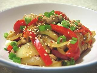 豚肉と赤パプリカの桂林辣椒醤炒め