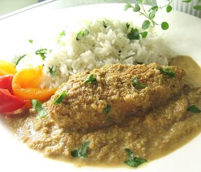 イラン風鶏のザクロとクルミソース煮