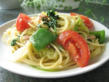 ベーコンとゴロゴロ野菜のスパゲティ