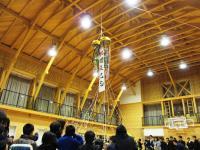 2012.2.7 新居浜特別支援学校開校記念式典で今割れたくす玉2
