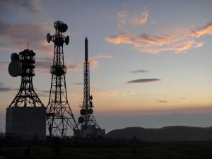 鉄塔と夜明け