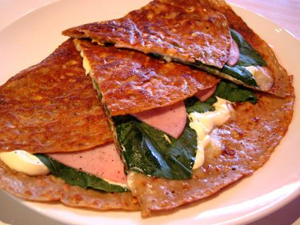 『セボンプラージュ』のほうれん草と卵とチーズのガレット