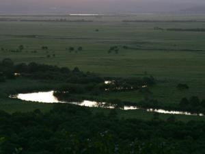 「湿原を流れる」~たそがれの釧路湿原・細岡展望台