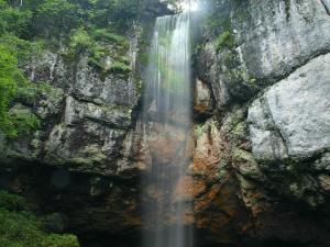 「山彦の滝」 遠軽町丸瀬布の景勝地