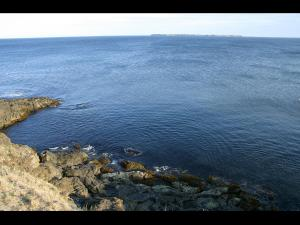 「ユルリ・モユルリが見える海」~根室市・花咲岬からの風景