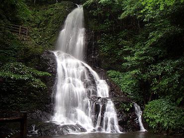 白糸の滝(美祢市秋芳町八代)