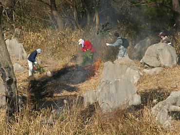 2009秋吉台山焼きの様子-3