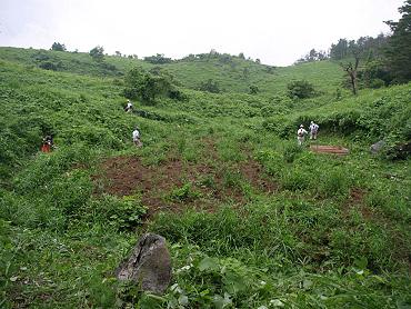 ドリーネの開墾作業-2