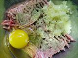 豚挽き肉材料
