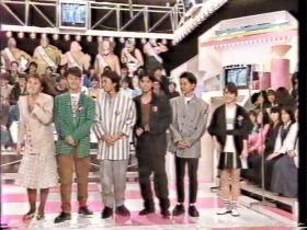 (左から)山田邦子、男闘呼組、志村香