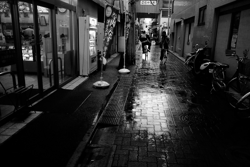 03雨自転車