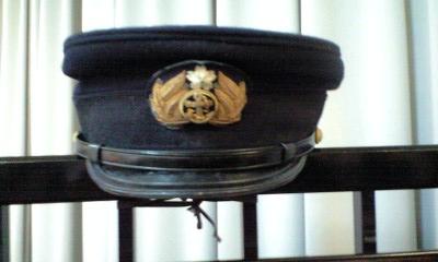 090624おじいちゃんの海軍の帽子