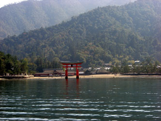 miyajima_itsukushima_to02