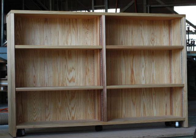 スギの本棚