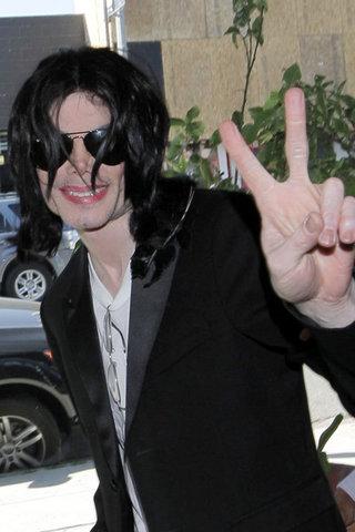 b-Michael-Jackson-long-41c68e503e3b.jpeg
