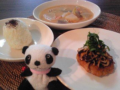 豆腐バーグと石狩鍋風のお昼ごはん