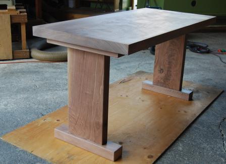 ウォールナットテーブル