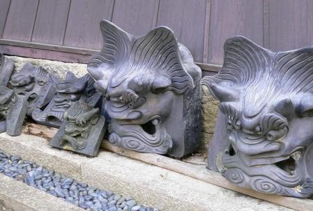 吉田寺鬼瓦