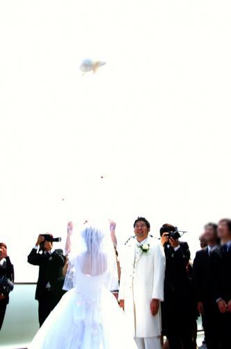 ブーケトス 結婚式 花嫁