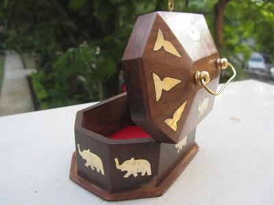 woodenbox-elephant.jpg