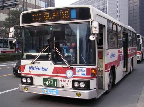 博多駅にて百道浜4519。10月2日付で運用離脱