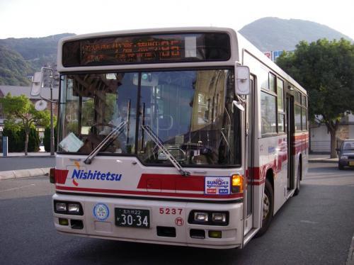 門司5237の95番。車体更新済み