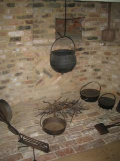 THE OLDEST HOUSE-kitchen