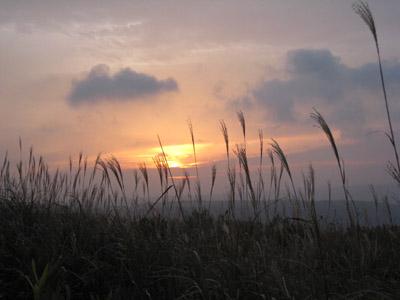 大観峯の朝日