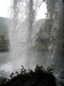 慈音の滝裏1