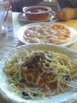 4号線沿いアンジェロで昼食。何となくピザとパスタが喰いたかったのだ