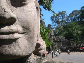 カンボジア顔1