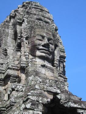 カンボジア顔と青空1