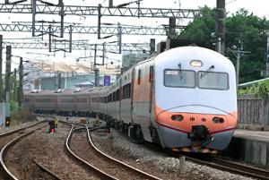 E1000 台鉄