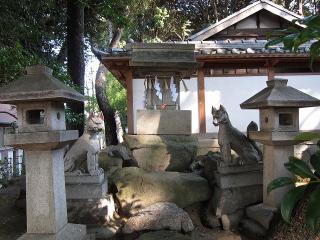 稲荷社 奥之院の狐