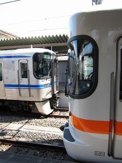 愛環2000系とJR東海313系