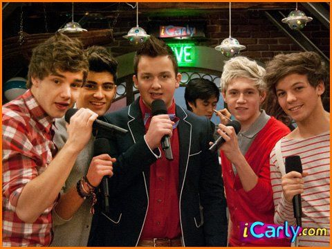 340a2__One-Direction-iCarly-Gibby.jpg