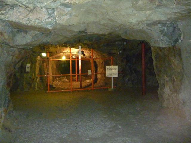 3地下壕内部