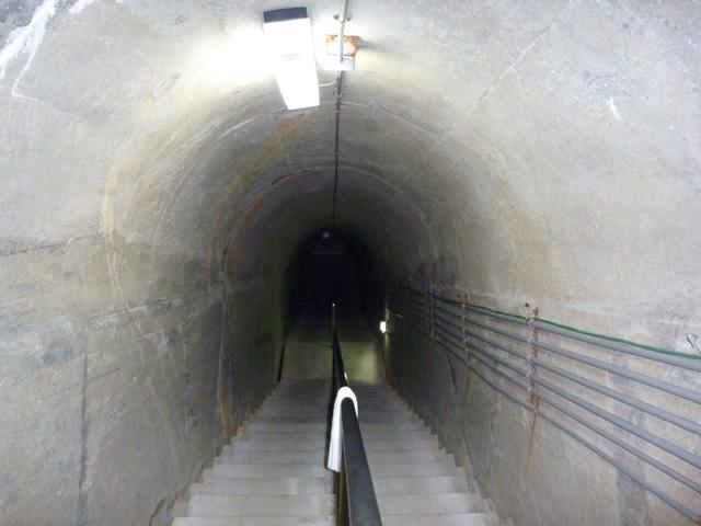 6地下御殿への通路